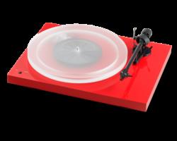 Pro-Ject Debut Carbon RecordMaster HiRes lemezjátszó + Ortofon 2M-Red, fényes piros