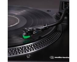 Audio-Technica AT-LP120X USB direkt hajtású lemezjátszó, fekete