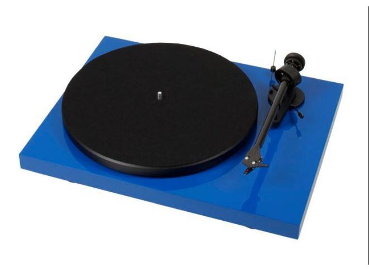 Pro-Ject Debut Carbon DC lemezjátszó /Ortofon OM-R10/ kék